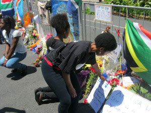 Africa unite youth pay their respect to the late Nelson Mandela